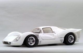 Model Factory Hiro 1/12 Automodellbausatz K493 Ferrari 330P4 Berlinetta (1967) Version (B)