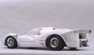 Model Factory Hiro 1/12 Automodellbausatz K494 Ferrari 330P4 Berlinetta (1967) Version (C)