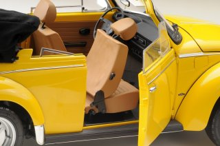 LeGrand 1/8 model kit LE100 Volkswagen Beetle 1303 Cabriolet sun yellow