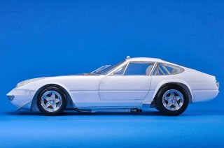 Model Factory Hiro 1/12 car model kit K701 Ferrari 365GTB/4 LM (1973) Version C