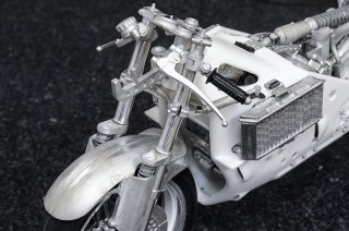 Model Factory Hiro 1/9 K735 motorcycle kit Honda NR500 (1979)