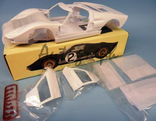 Magnifier US Sports Car - formerly Trumpeter 1/12 car model kit Ford GT40 MKII Le Mans winner (1966)