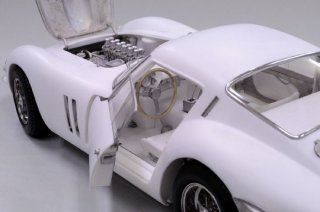 Model Factory Hiro 1/12 Automodellbausatz K566 Ferrari GTO 1962 (Version E)